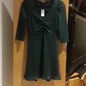 Designer: express dress